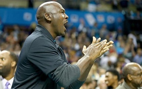 Michael Jordan carg� deportivamente hablando contra Obama