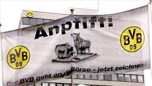 Una imagen en la que el Dortmund anuncia la venta de acciones en bolsa