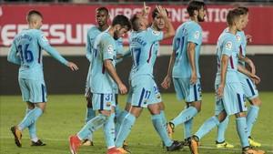 El Barcelona celebrando uno de los tres goles frente al Murcia en la ida