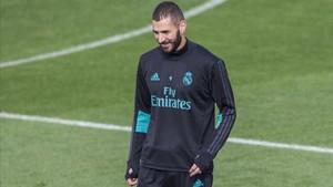 Benzema en un entrenamiento con el Real Madrid