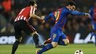 A Leo Messi solo le están parando a base de faltas