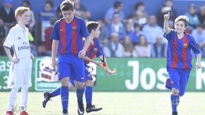 Pablo Páez Gavi celebra uno de los goles ante el Real Madrid en LaLIga Promises de Tenerife