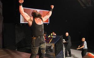 Saltan chispas en el último RAW antes de Payback