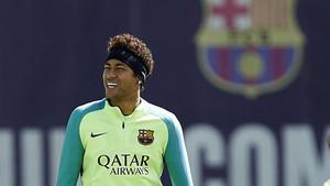 Neymar, en el entrenamiento previo al derbi contra el Espanyol