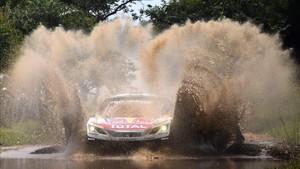 Carlos Sainz se adjudicó la segunda etapa del Rally de Marruecos