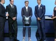 Griezmann luci� una 'look' llamativo en el sorteo�de la Champions League 2016/2017