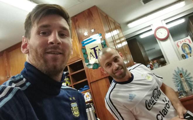 Messi y Mascherano, en Ezeiza