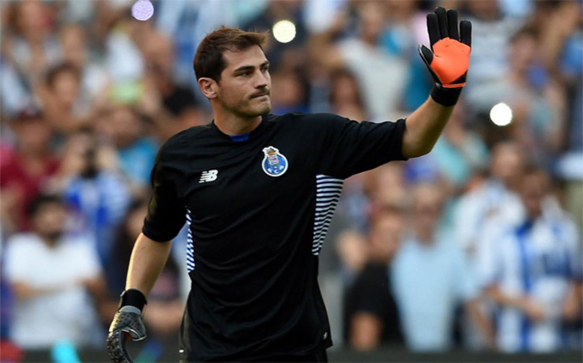 casillas to extend his contract with porto