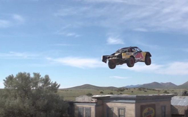 El coche volador de Bryce Menzies