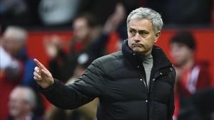 Mourinho despidió a Depay con muy buenas palabras