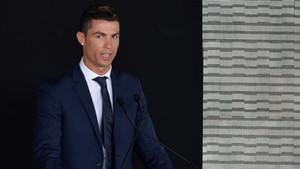 Cristiano Ronaldo da nombre al Aeropuerto de Madeira