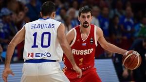 Aleksei Shved fue de menos a más ante Grecia