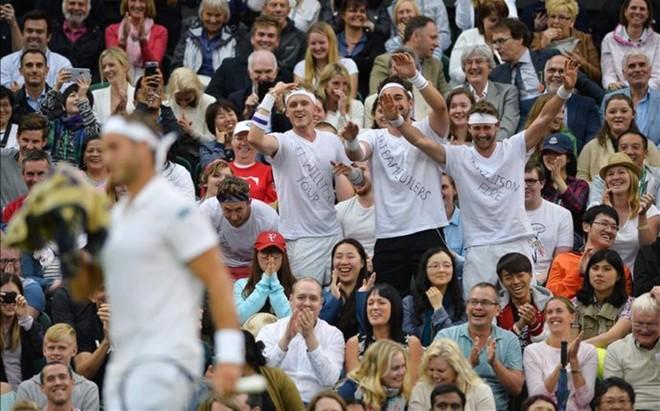 La Central se divirti� con el partido de Marcus Willis ante Roger Federer