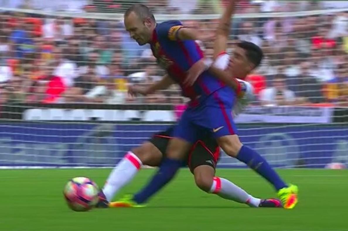 Luis Enrique se encara con Enzo Pérez por la lesión de Iniesta