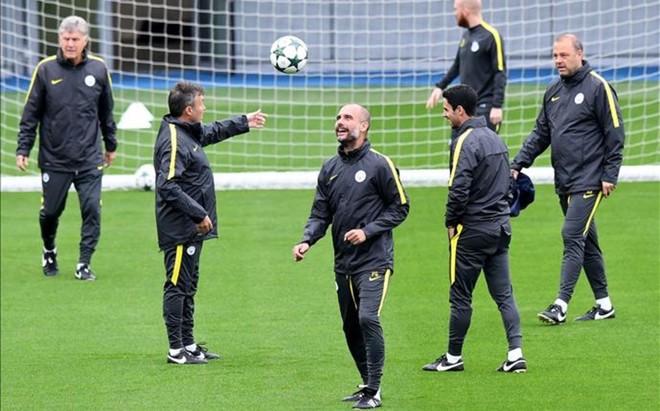 Guardiola se mostr� distendido durante la sesi�n preparatoria previa al partido