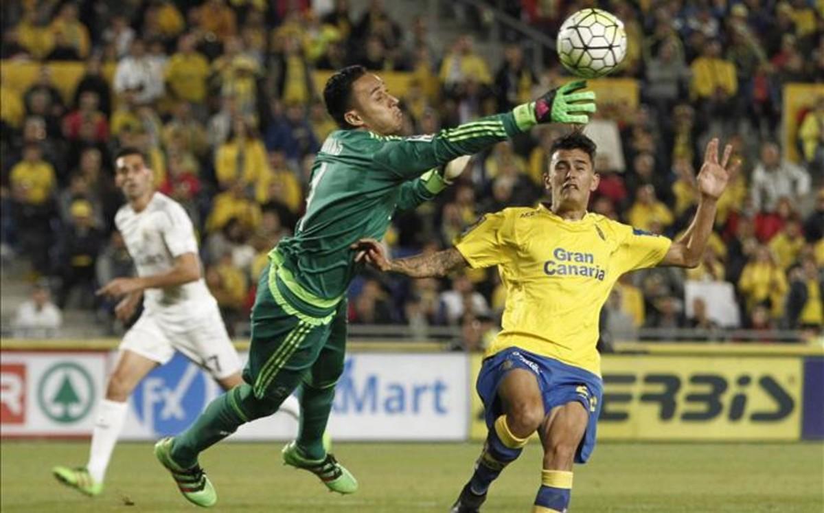 Casemiro y Keylor Navas salvan al Real Madrid de un nuevo rid</p>  <div class=