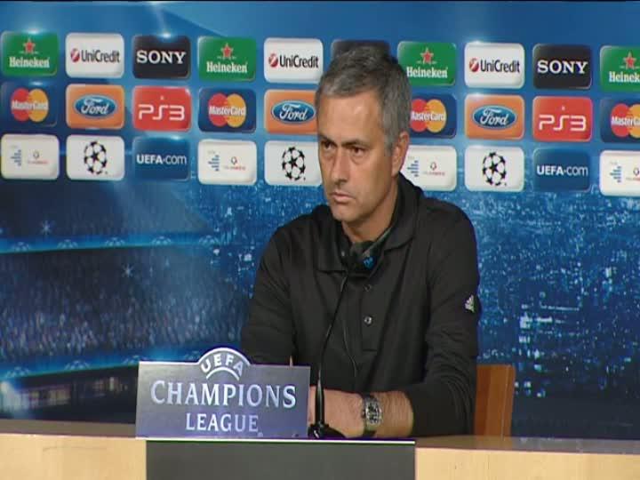 Mourinho vuelve a cargar contra la afici�n del Bernab�u