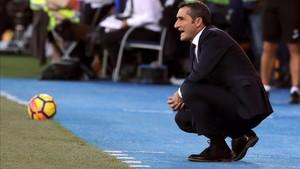 Valverde se quejó amargamente por la amarilla de Piqué