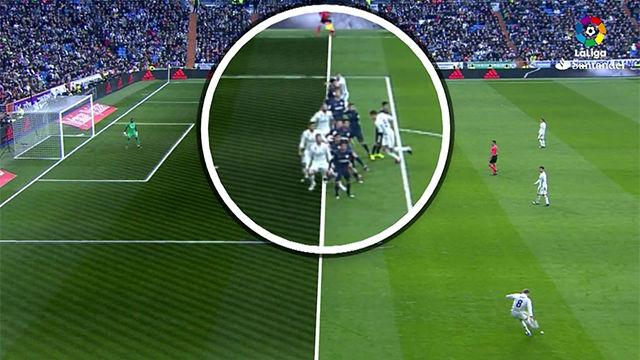 Video resumen - Fuera de juego en el segundo gol de Ramos en el Madrid - Málaga (2-1)