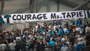 La afición del Marsella hizo emocionar a Tapie