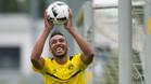 Aubameyang asegur� que seguir�, al menos esta temporada, en el Borussia Dortmund