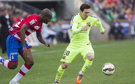 Leo Messi durante el partido ante el Granada