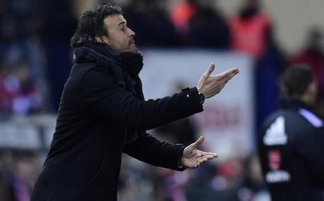 Luis Enrique busca alternativas al sistema de juego del FC Barcelona
