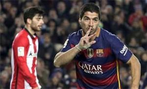 Luis Suárez celebra uno de sus goles en el Barça-Athletic Club (6-0)
