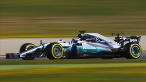 Mercedes asusta a sus rivales en el Circuit