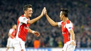 El futuro de Alexis y Özil en el Arsenal es improbable