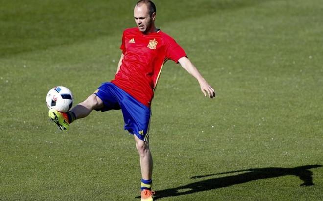 Andr�s Iniesta sigue acumulando elogios