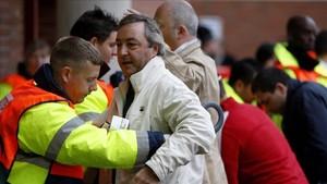 Inspecciones a los aficionados en las entradas de Old Trafford