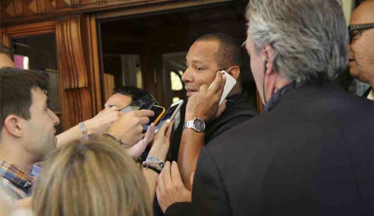 Người đại diện của Neymar đã xác nhận đàm phán lần 1 với Barca thất bại
