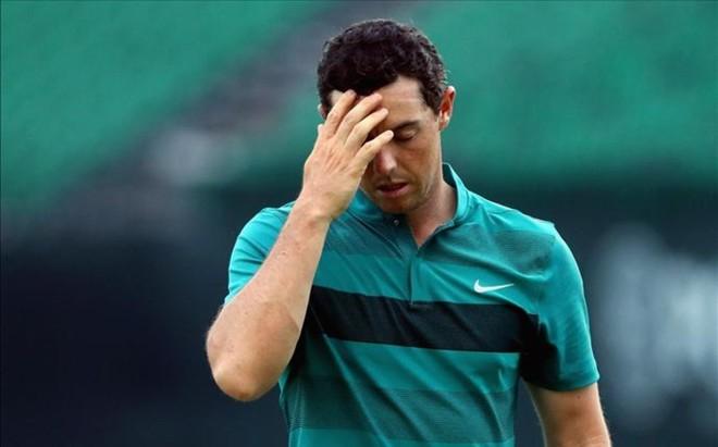 McIlroy se mostr� desesperado con el putt que le dej� fuera del PGA