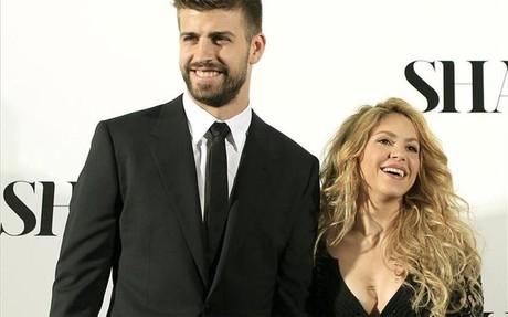 Piqu� y Shakira, en el acto de presentaci�n del disco
