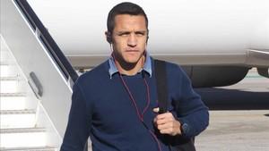 Alexis Sánchez ha viajado a Barcelona