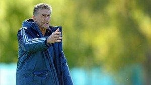 xortunoargentina s national coach edgardo bauza gestures 170220235533