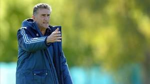 xortunoargentina s national coach edgardo bauza gestures 170220235533