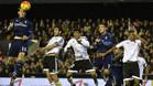 Bale remata durante el Valencia - Real Madrid de la Liga 2015-16 disputado en Mestalla y que acabó 2-2