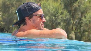 Fernando Alonso, en la piscina