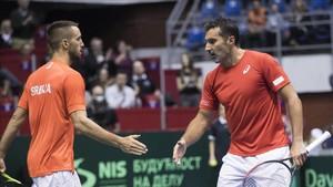 Troicki y Zimonjic sentenciaron en dobles la eliminatoria contra España