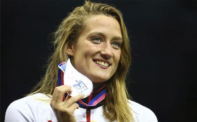 Belmonte posa con la medalla de plata