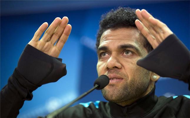 El Bar�a apoya a Dani Alves ante la AEPD