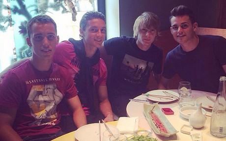 Grimaldo, junto aBabusnki, Halilovic y Roman