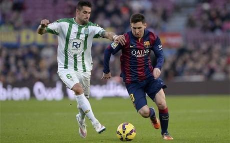 Messi marc� dos goles ante el C�rdoba