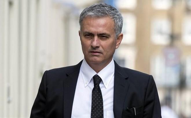Mourinho tiene el desaf�o de devolver al United a lo m�s alto.
