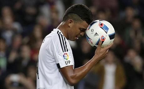 La temporada est� siendo un verdadero dolor de cabeza para el Valencia