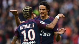 Neymar y Cavani escenificaron el final, se supone, de su guerra