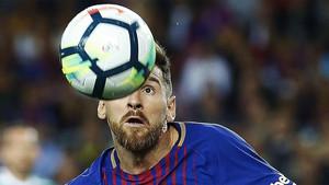 El idilio de Messi con el gol no tiene fin. El argentino ya ha marcado 100 goles con el FC Barcelona en competición europea