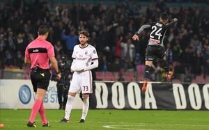 Insigne celebra el gol tras la consulta con el VAR